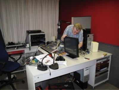 engineer_at_work-l_20120807_1581477843.jpg